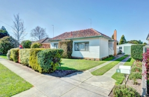 3 bedroom house in Wendouree with close to 6% return