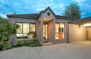 Single level Malvern East investment