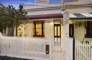 Stunning period single front in Kensington