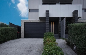 Executive townhouse in a beautiful pocket of Essendon