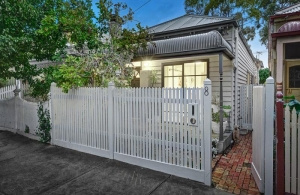 Northcote... pre-auction thrill for happy clients