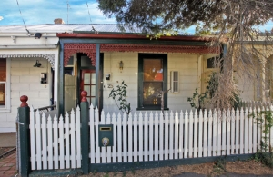 Off-market single fronted Victorian with rear ROW in Brunswick