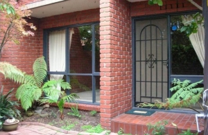 Well located Unit in Yarraville
