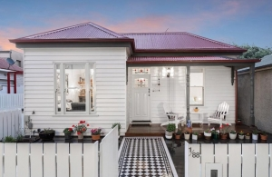 Perfect Period /Modern Mix in Yarraville