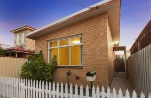 Stand-alone house under $500k in Footscray
