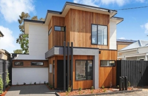 A stand-alone, single townhouse in Yarraville